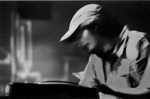 Amon Tobin: en live et en N&B