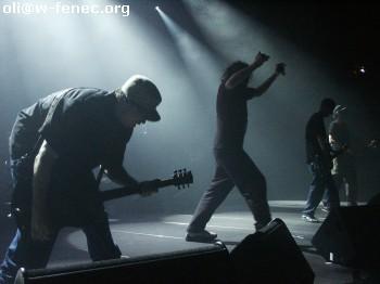 mass hysteria: live à roubaix 2005