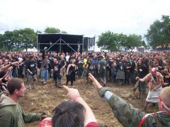 Hellfest 2007: la boue et le foin...